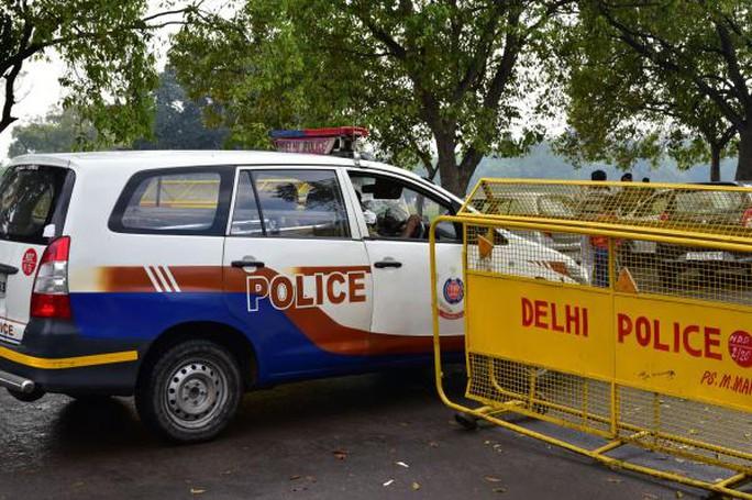 Cảnh sát Delhi cho biết một bé gái 14 tuổi qua đời sau khi bị cưỡng hiếp lần 2 bởi kẻ từng cưỡng hiếp cô bé trước đó. Ảnh: Shutterstock
