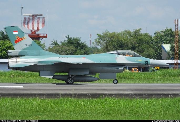 Chiếc F-16 của Không quân Indonesia Ảnh: PLANESPOTTERS.NET