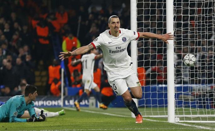 Ibrahimovic sẽ là hiểm họa lớn nhất cho hang thủ Man City rạng sáng 7-4 Ảnh: REUTERS