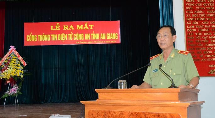 Thiếu tướng Bùi Bé Tư, Giám đốc Công an tỉnh An Giang phát biểu tại lễ ra mắt Cổng TTĐT Công an tỉnh.
