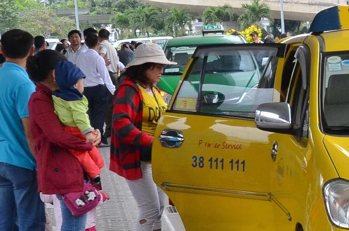 Các hãng taxi dự định giảm cước từ 300-500 đồng/kmẢnh: TẤN THẠNH