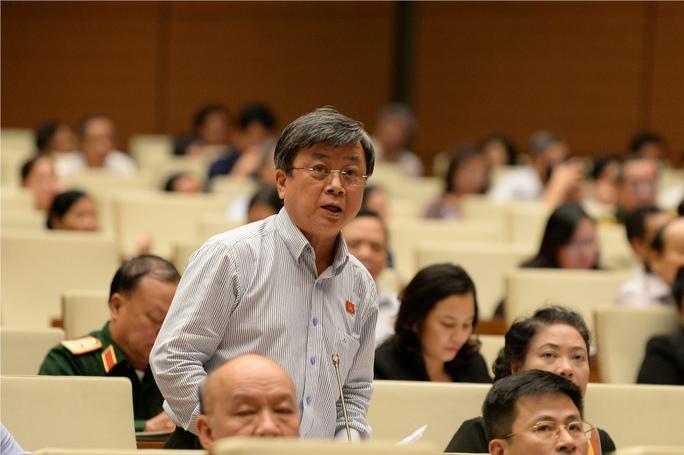 Đại biểu QH luôn nỗ lực làm tốt vai trò đại diện cho ý chí, nguyện vọng của nhân dân . Trong ảnh: Đại biểu Trương Trọng Nghĩa (TP HCM) đóng góp ý kiến tại kỳ họp thứ 10, Quốc hội khóa XIIIẢnh: NGUYỄN NAM