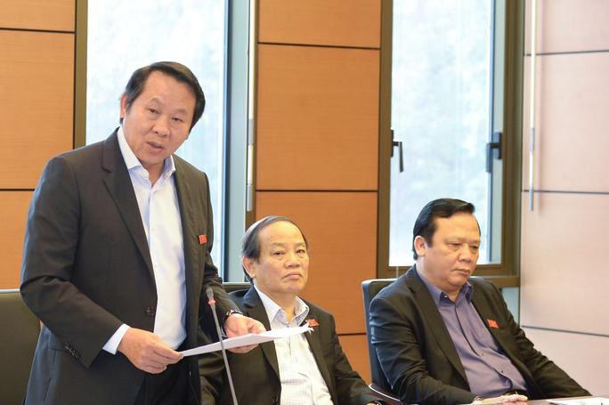 Phó Chủ nhiệm Văn phòng QH Thân Đức Nam đóng góp ý kiến về chất lượng hoạt động của Quốc hội vào ngày 23-3Ảnh: NGUYỄN NAM