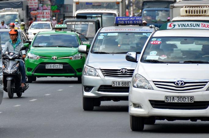 Việc sửa đổi quy định hướng đến quản lý chặt loại hình kinh doanh taxiẢnh: TẤN THẠNH