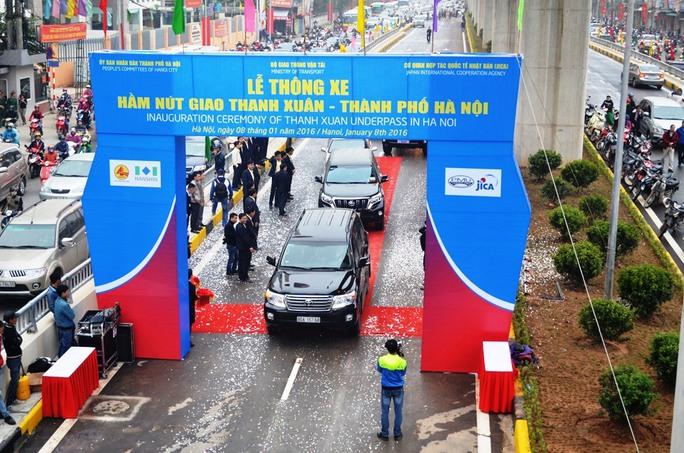 Hầm chui giao thông Thanh Xuân được chính thức thông xe nhằm giải quyết tình trạng ách tắc tại một nút giao thông có mật độ rất cao vào giờ cao điểm