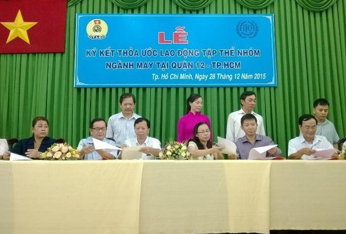 Đại diện các doanh nghiệp và Công đoàn cơ sở tại lễ ký kết thỏa ước