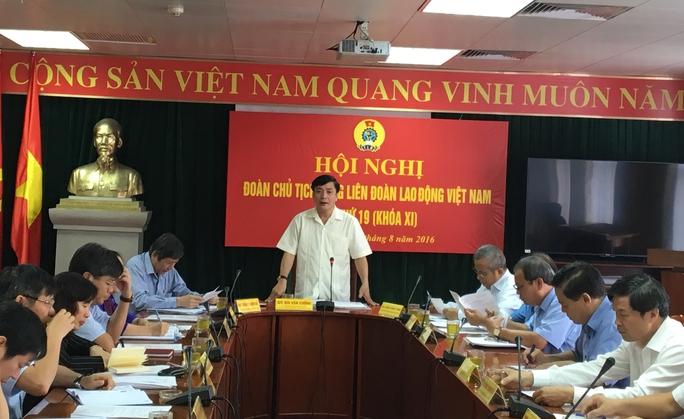 Chủ tịch Tổng LĐLĐ Việt Nam Bùi Văn Cường chủ trì hội nghị sáng 30-8
