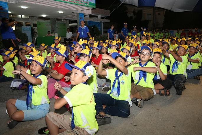 Con CNVC-LĐ ngành điện tham gia trại hè