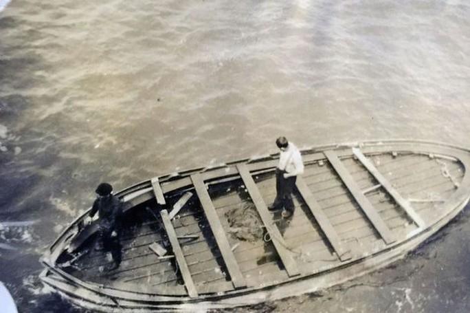 Chiếc xuồng cứu sinh cuối cùng của Titanic. Ảnh: BNPS