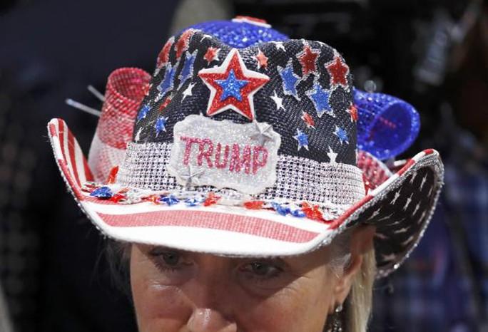 Cuối cùng tỉ phú Trump cũng trở thành gương mặt đại diện cho đảng Cộng hòa. Ảnh: Reuters