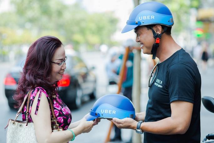 Ngày 21-4 dịch vụ Uber xe ôm chính thức ra mắt.