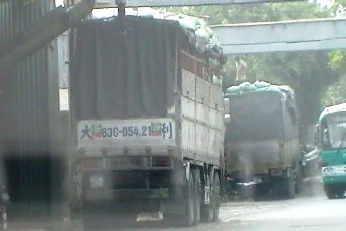 """Bắt hàng loạt xe """"vua"""" ở Tiền Giang"""
