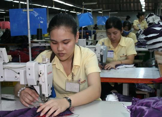 Nhờ công đoàn cơ sở tổ chức tốt đối thoại, công nhân Công ty May Tân Long Trường (quận 9, TP HCM) được hưởng các chế độ phúc lợi cao hơn luật định
