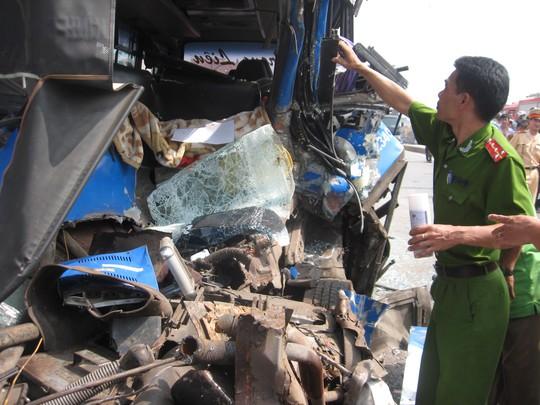 Tài xế xe khách đã tử vong ngay tại chỗ, nhiều hành khách trên xe bị thương nặng