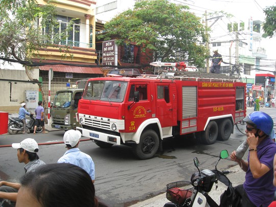 Xe cứu hỏa được điều động đến khách sạn
