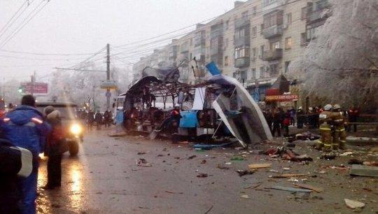 Chiếc xe phát nổ gần một khu chợ đông đúc. Ảnh: RIA Novosti