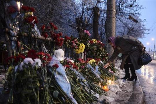 Nhiều người Nga hiện rất sợ ra đường, đến chỗ đông người. Ảnh: Reuters