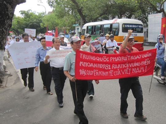 Người dân ở TP Huế phản đối Trung Quốc