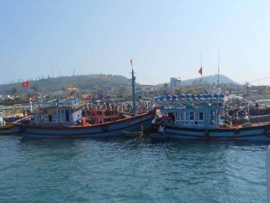 Dù gặp khó nhưng tàu cá của ngư dân Lý Sơn vẫn ngày ngày vươn khơi Hoàng Sa.