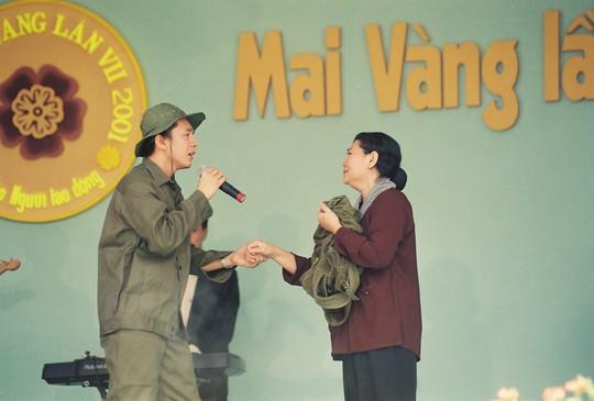Biểu diễn trên sân khấu lễ trao giải