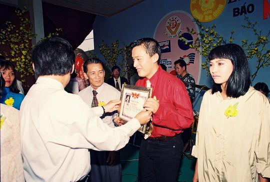 Lam Trường trẻ trung thuở nhận Giải Mai Vàng - Ảnh 2.