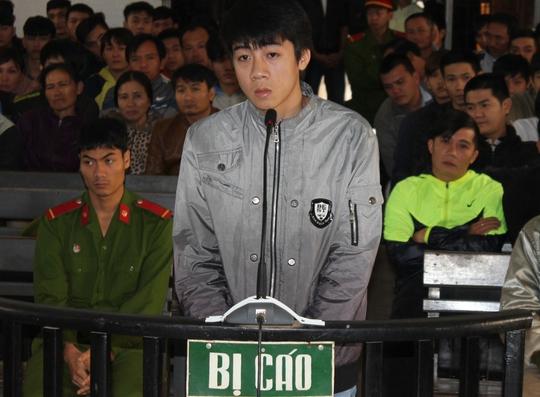 Giết người vì bị truy đuổi, bị cáo Trần Duy Nam bị mức án 8 năm tù