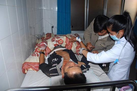 Ông Trương Hồng Dương đang cấp cứu tại Bệnh viện Đa khoa tỉnh Lâm Đồng