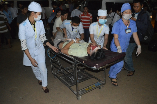 Những nạn nhân bị thương nặng được chuyển đến Bệnh viện Đa khoa tỉnh Đắk Lắk cấp cứu