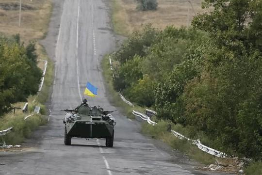 Ukraine đang lẻ loi trong cuộc xung đột ở miền Đông. Ảnh: Reuters