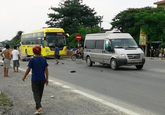 Hiện trường vụ tai nạn giao thông khiến người dân bất bình trước thái độ thờ ơ của người đi đường