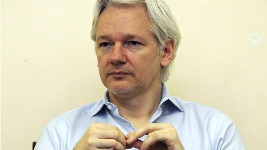 Người sáng lập Wikileaks Julian Assange. Ảnh: Reuters