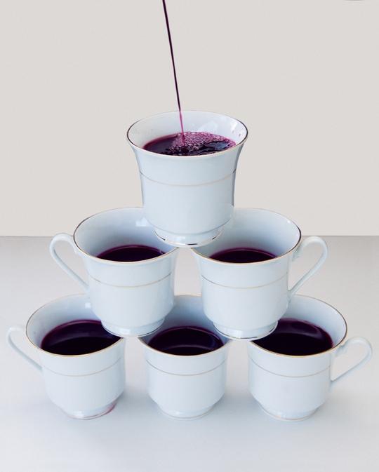 Ở Kansas, uống rượu trong ly trà là vi phạm pháp luật. Ảnh: Wired