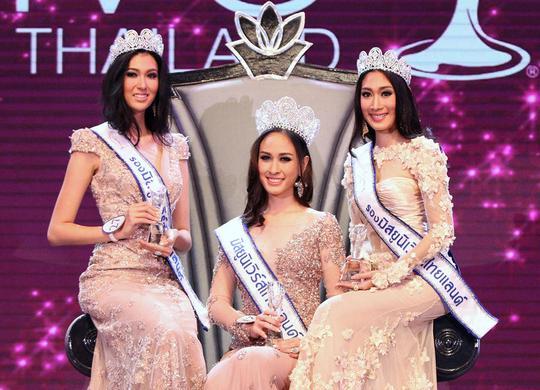 Weluree Ditsayabut đăng quang Hoa hậu Hoàn vũ Thái Lan hôm 17-5. Ảnh: AP