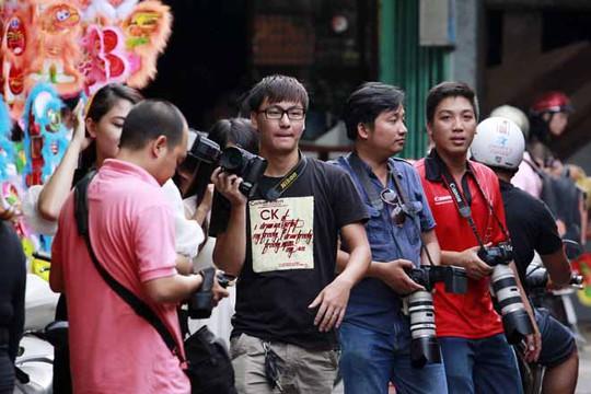 Các bạn trẻ và nhiếp ảnh gia là những người thường xuyên có mặt tại con phố này