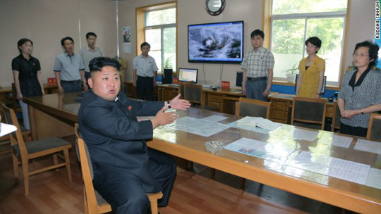 A photo published by Rodong Sinmum reportedly shows Kim Jong Un giving