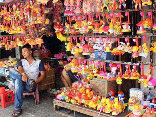 Lồng đèn Trung Quốc luôn trong tình trạng ế ẩm.