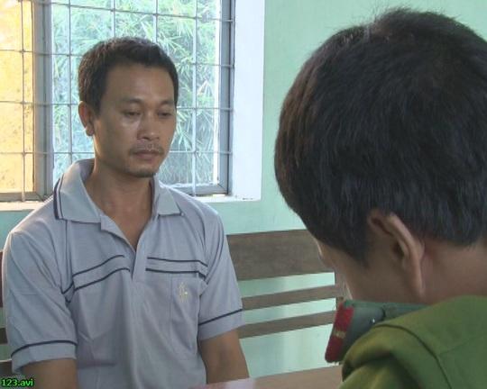 Trần Văn Nam tại cơ quan công an