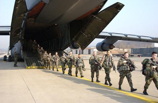 Quân đội Mỹ là đội quân hùng mạnh nhất thế giới. Ảnh: Defense