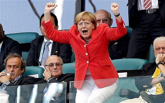 Thủ tướng Đức Angela Merkel xem đội tuyển nước nhà thi đấu World Cup 2014. Ảnh: REX