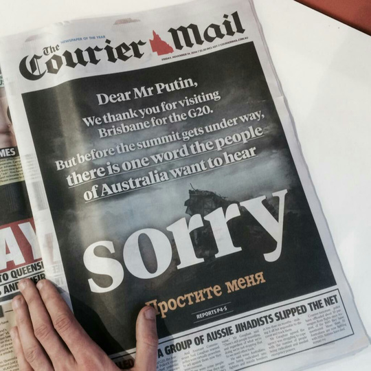 Bài viết yêu cầu ông Putin xin lỗi trên báo Courier-Mail. Ảnh: BBC