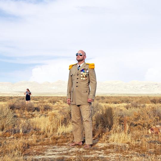 Travis McHenry, vua của Vương quốc Calsahara. Ảnh: Wired