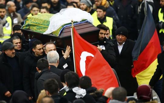 Đám tang của Tugce Albayrak hôm 3-12. Ảnh: Reuters