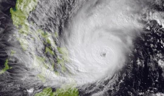 Ảnh vệ tinh bão Hagupit chụp ngày 5-12. Ảnh: AP