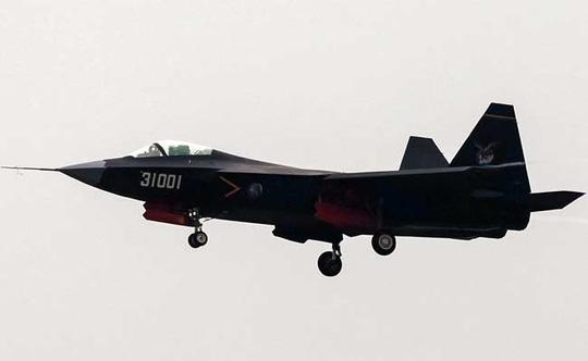 Máy bay tàng hình J-31 của Trung Quốc. Ảnh: Reuters