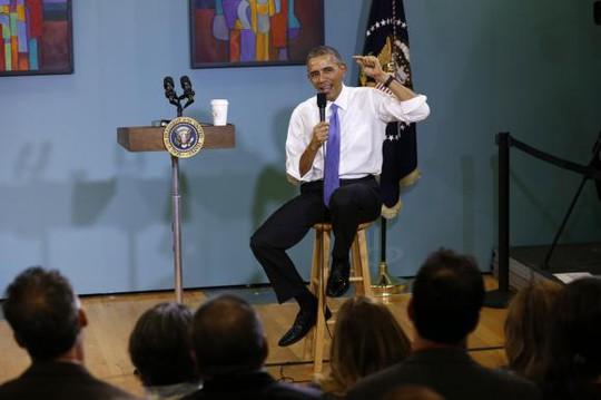 Ông Obama phát biểu vấn đề nhập cư khi đến thăm bang Tennessee ngày 9-12. Ảnh: Reuters