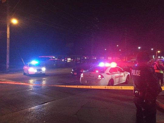 Cảnh sát phong tỏa hiện trường sau vụ nổ súng. Ảnh: Twitter