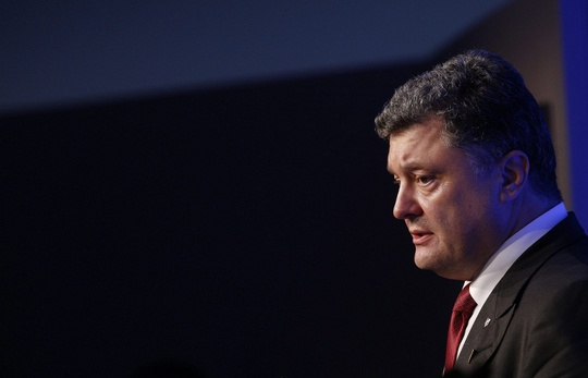 Tổng thống Ukraine Petro Poroshenko đề xuất tự trị hạn chế 3 năm cho 2 khu vực Donetsk và Luhansk ở miền Đông. Ảnh: ITAR-TASS