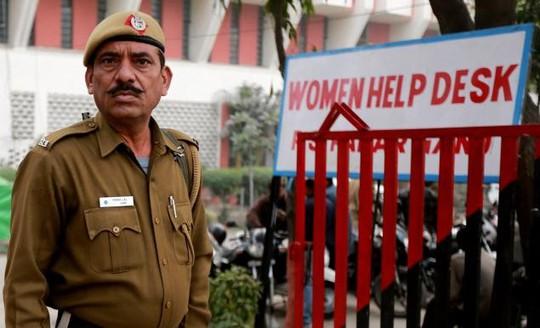 Cảnh sát Ấn Độ ngày càng nhận được nhiều đơn tố cáo về các vụ cưỡng hiếp. Ảnh: EPA