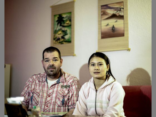 Married couples separated by German language test