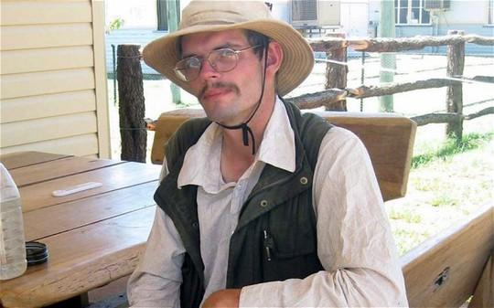 Anh chàng Daniel Dudzisz bị mắc kẹt gần 3 tuần và ăn ruồi để sống qua ngày. Ảnh: EPA